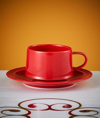 Signore Coffee Cup & Saucer in Red